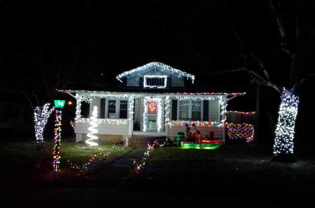 Christmas Lights-2018-01.jpg